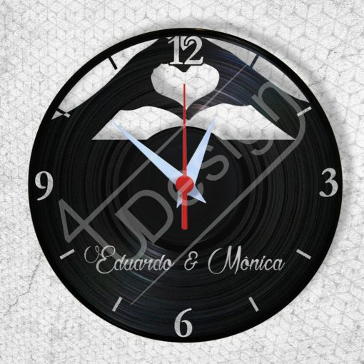 Szerelmesek hanglemez óra saját nevekkel - bakelit óra