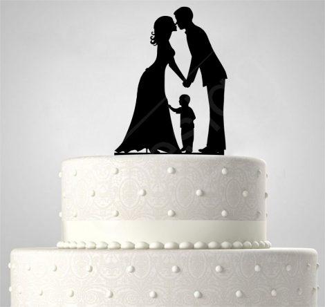 TD5080513 - Házaspár kisfiúval, sziluett esküvői tortadísz