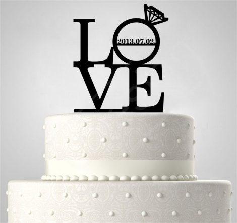 TD5080514 - LOVE gyűrűvel, EGYEDI FELIRATTAL sziluett esküvői tortadísz
