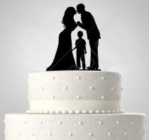 TD508058 - Házaspár kisfiúval, sziluett esküvői tortadísz