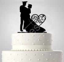 TD6021902 - Mr & Mrs egyenruhás egyedi sziluett esküvői tortadísz